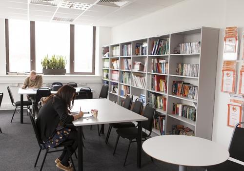 EC London Library