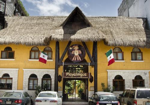 The school Playalingua