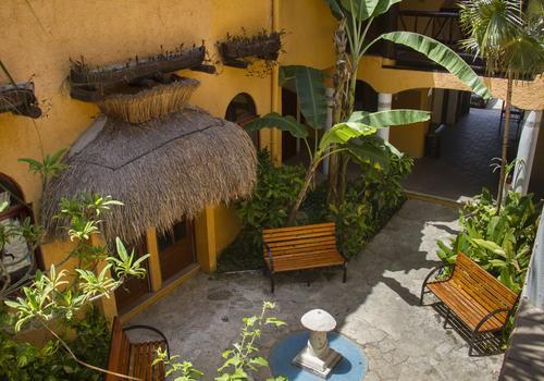 Playalingua entrance
