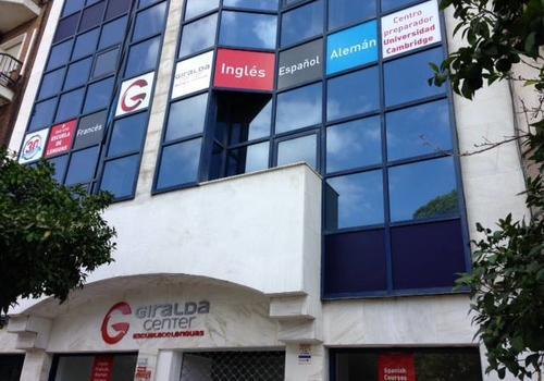 Haz contactos nuevos en Sevilla